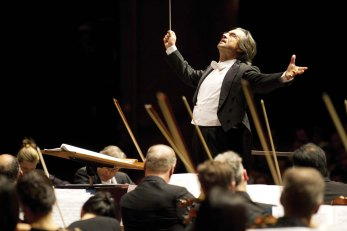 8/26/11 1:56:14 PM -- Music Director Riccardo Muti and the Chicago Symphony Orchestra conclude their performance of Strauss' Death and Transfiguration during their first concert on tour. © Todd Rosenberg Photography 2011